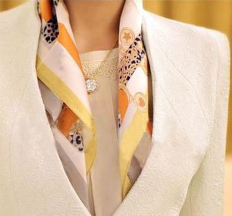 Tư vấn: Mặc đẹp hơn với khăn quàng cổ - 10