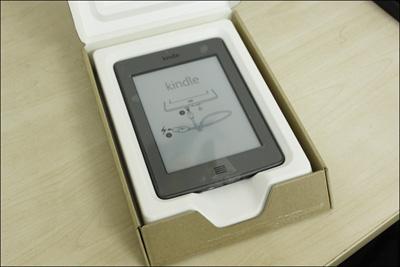 Trên tay máy đọc sách Kindle Touch tại Việt Nam - 1