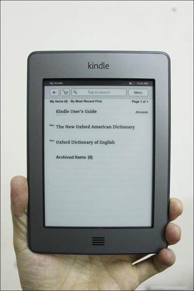 Trên tay máy đọc sách Kindle Touch tại Việt Nam - 11