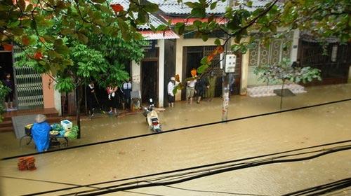 Lào Cai: Xuất hiện mưa lớn bất thường - 1