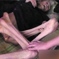 TQ: Phẫn nộ cụ bà 6 con bị bỏ đói đến chết