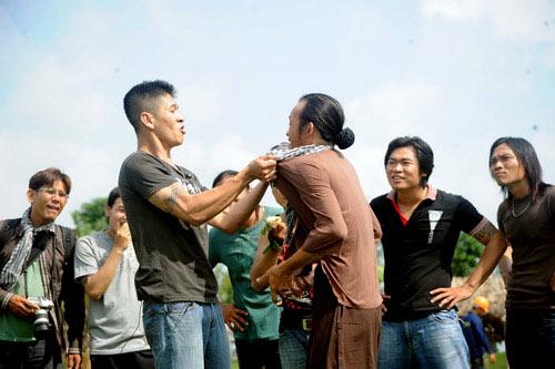 Hoài Linh đánh nhau với giang hồ - 3