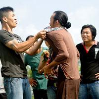 Hoài Linh đánh nhau với giang hồ