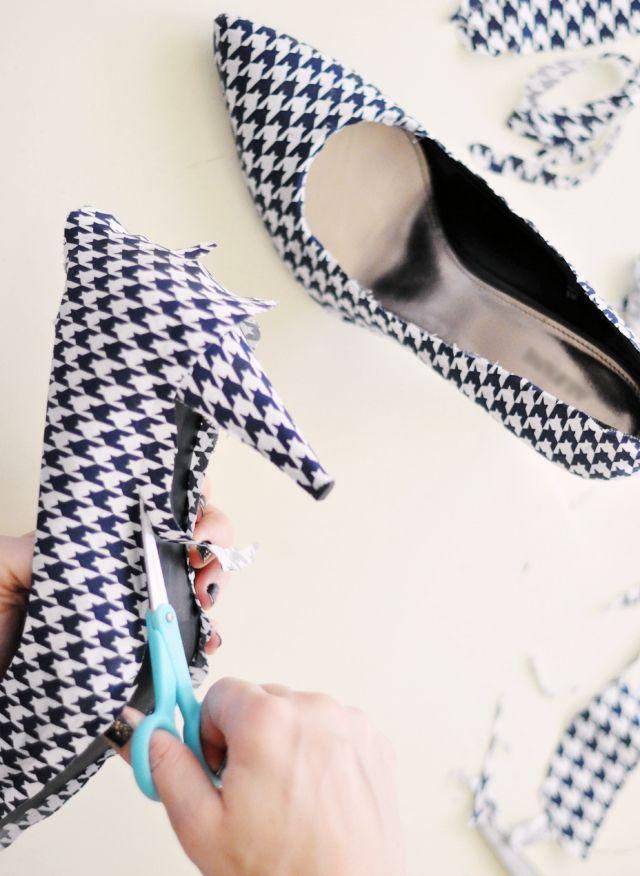 Cách biến giày cao gót cũ thành mới - 15