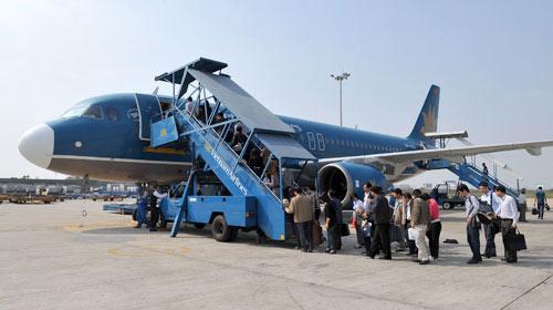 Giá vé máy bay nội địa tăng cao - 2