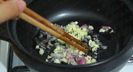 Tôm kho tàu ăn với cơm miễn chê - 6