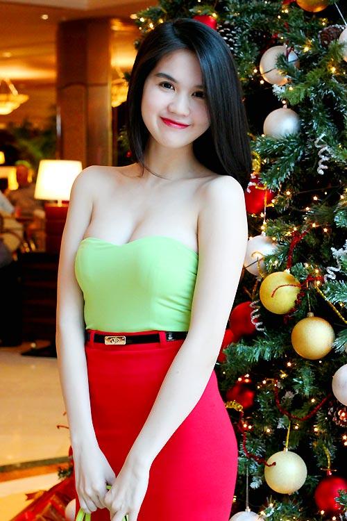 Ngọc Trinh mặc gì trong mùa Noel? - 11