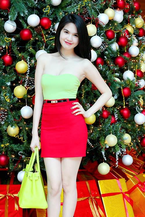 Ngọc Trinh mặc gì trong mùa Noel? - 12