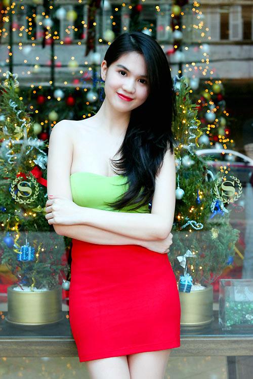Ngọc Trinh mặc gì trong mùa Noel? - 13