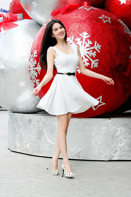 Ngọc Trinh mặc gì trong mùa Noel? - 20
