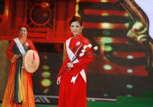Rực rỡ sắc màu trang phục dân tộc Việt - 9