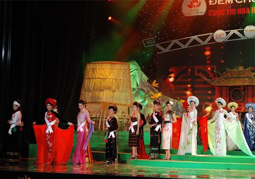 Rực rỡ sắc màu trang phục dân tộc Việt - 3