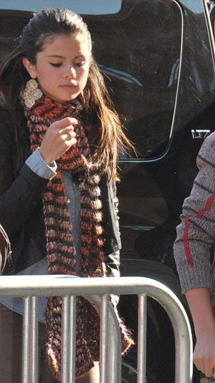 Justin Bieber công khai sàm sỡ Selena Gomez - 5