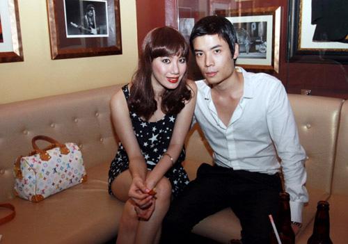 5 cặp đôi mặc đẹp của showbiz Việt 2011 - 1
