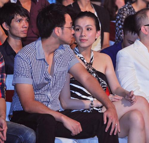 5 cặp đôi mặc đẹp của showbiz Việt 2011 - 15