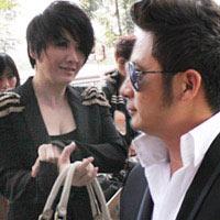 Bằng Kiều và vợ xuất hiện tại Hà Nội