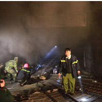 Chùm ảnh vụ cháy tòa nhà EVN