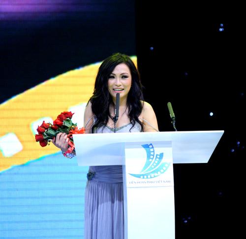 Bất thường giải thưởng LHP Việt Nam 17 - 5