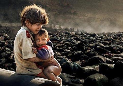 10 bức ảnh thương tâm nhất năm 2011 - 10