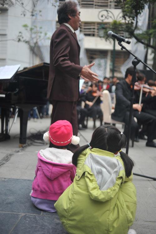 Phan Anh bảnh bao xem giao hưởng đường phố - 9