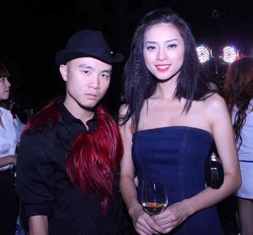 Giám khảo Nam Trung lại mặc váy - 7