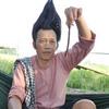 """Dựng tóc gáy nhìn Hoài Linh """"luyện"""" đỉa"""