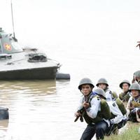 Một ngày ở doanh trại hải quân đánh bộ