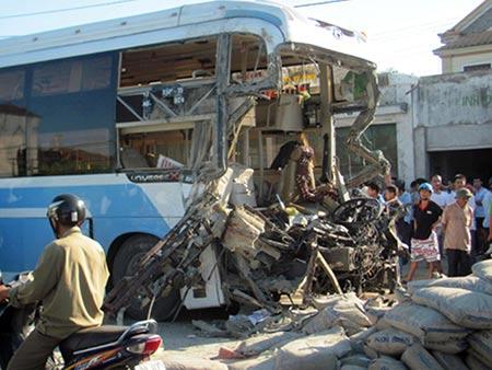 5 vụ tai nạn giao thông thảm khốc nhất 2011 - 5