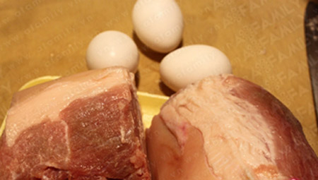Ngon vô cùng thịt heo kho trứng - 1