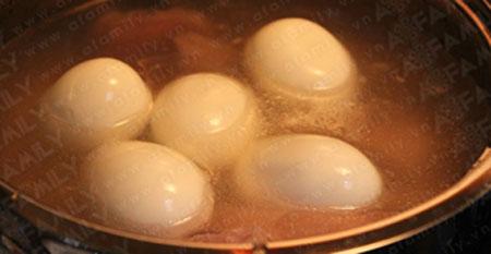 Ngon vô cùng thịt heo kho trứng - 10