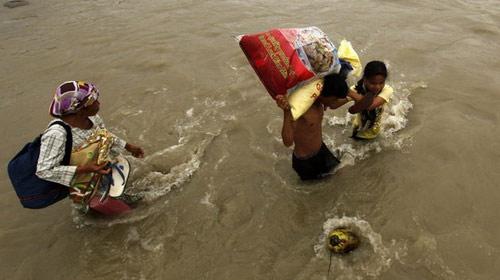 Philippines: 1.500 người chết do bão Washi - 1