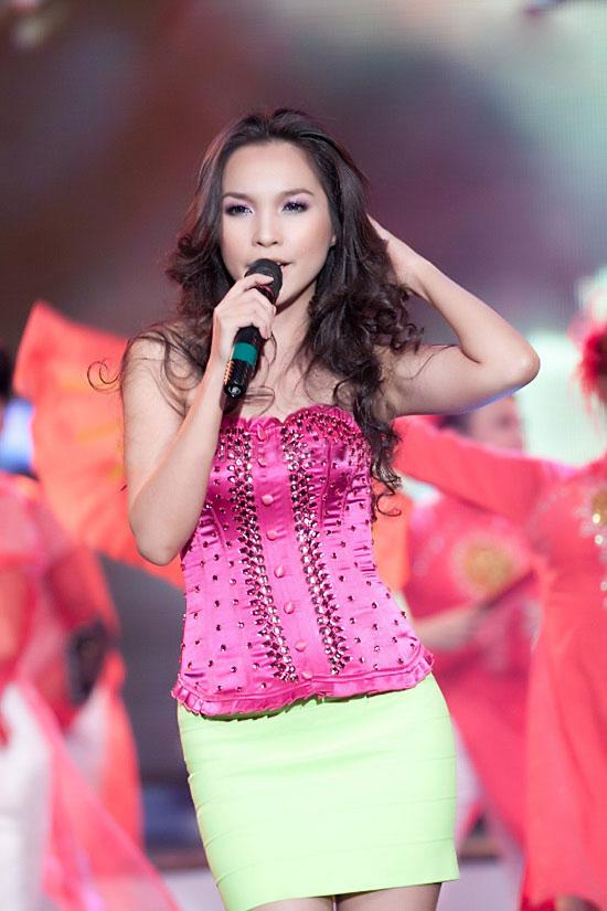 Phong cách sao Việt tuổi 30: Ai đẹp hơn? - 16
