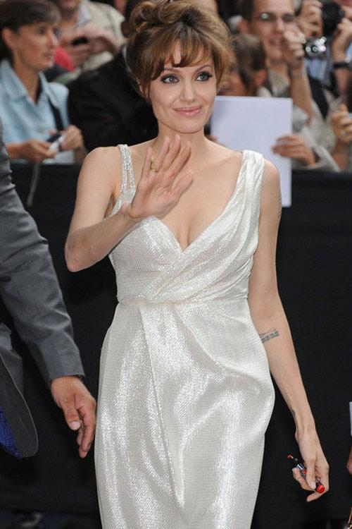 "5 style ""đỉnh"" của Angelina Jolie - 18"