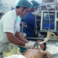 Năm 2011, ngành y tế nóng chuyện y đức