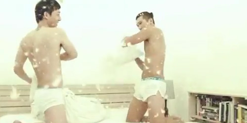Ngọc Tình gây sốc vì clip yêu đồng tính - 2