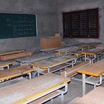 Tin tức trong ngày - HN: Trần lớp học rơi trúng đầu học sinh