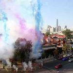 Tin tức trong ngày - Đại gia TQ cưới vợ đốt bánh pháo dài 1km
