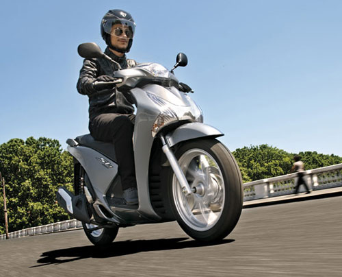 Honda SH 2013 có giá khoảng 83,5 triệu đồng - 2