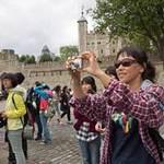 Tin tức trong ngày - Hãng thời trang Pháp cấm người Trung Quốc