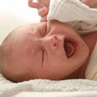 BS đỡ đẻ, bé sơ sinh gãy xương đòn