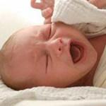 Sức khỏe đời sống - BS đỡ đẻ, bé sơ sinh gãy xương đòn
