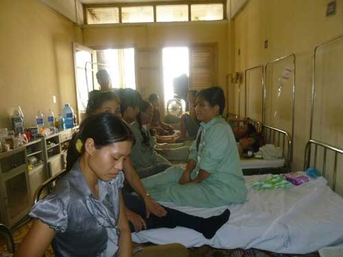 Bảo hiểm y tế: Thủ tục rườm rà - 2