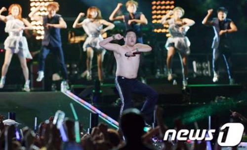 Clip màn cởi áo của cha đẻ Gangnam Style - 8