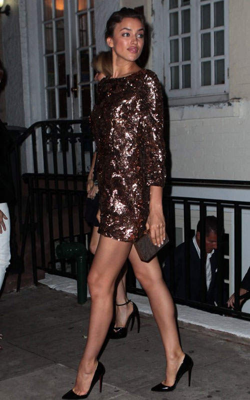 Kim Kardashian phớt lờ áo chíp xuống phố - 8