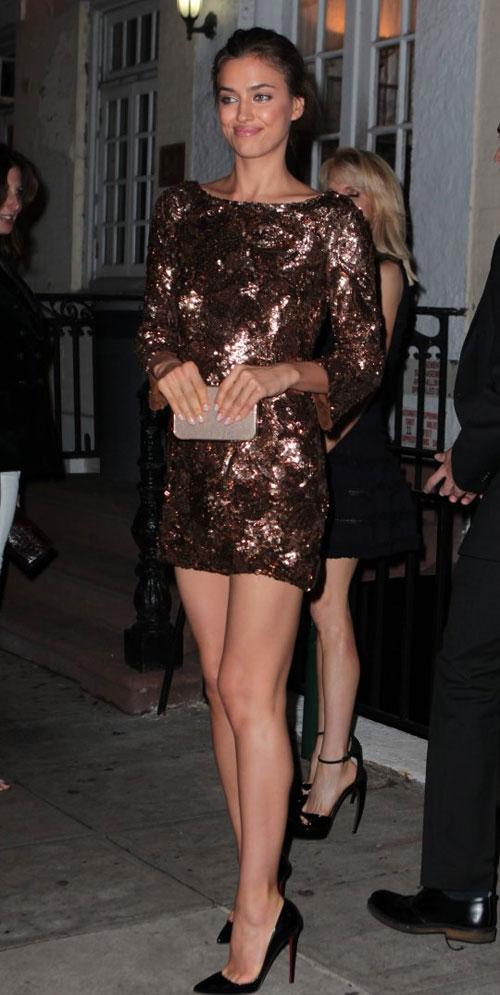 Kim Kardashian phớt lờ áo chíp xuống phố - 9