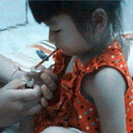 Tin tức trong ngày - Phẫn nộ: Cho bé gái hít ma túy ở Thái Lan