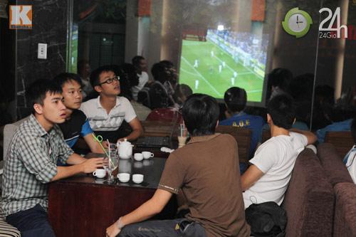 Fan thức trắng đêm xem trận Barca - Real - 5