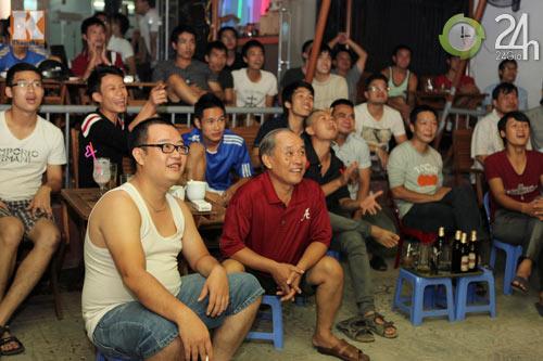 Fan thức trắng đêm xem trận Barca - Real - 3