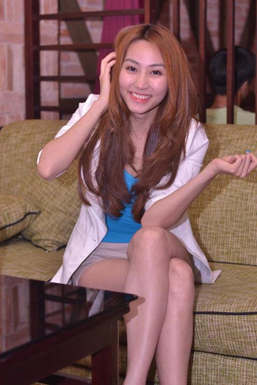 Ngân Khánh cười thả ga với Gangnam Style - 4
