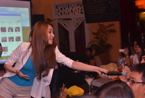 Ngân Khánh cười thả ga với Gangnam Style - 12
